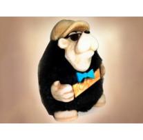 Сувенир «Медведь турист в кепке с табличкой», высота 10 см
