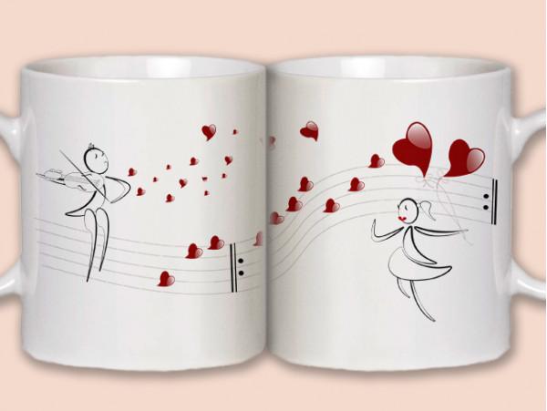 (32164) 2 кружки «Влюблённый музыкант»